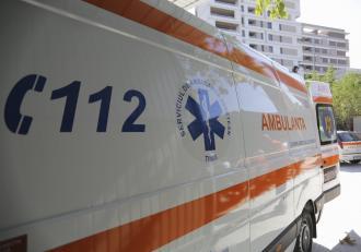 """Un copil de 3 ani a murit în ambulanță, în drum spre spital, la Botoșani. Băiețelul ar fi început """"să scuipe sânge"""""""