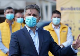 Deputatul Mugurel Cozmanciuc, preşedintele PNL Neamţ, a fost trimis în judecată pentru trafic de influenţă