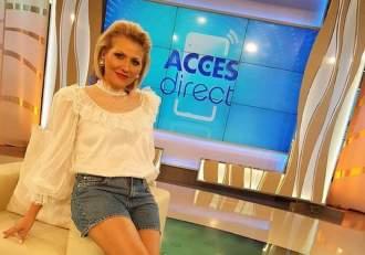 """Mirela Vaida, fără niciun strop de machiaj! Prezentatoarea de la Acces Direct, mai naturală ca oricând în fața fanilor: """"Ești superbă"""" / FOTO"""