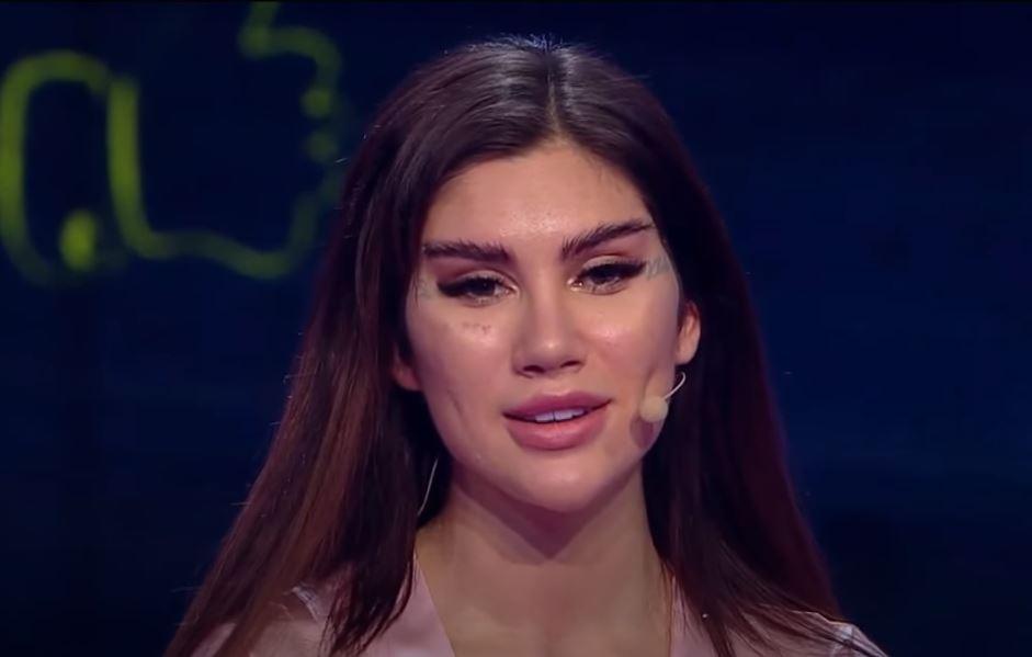 """FOTO. Cine e Bia Khalifa, concurenta de la """"iUmor"""" care a șocat! Cum a venit în fața juriului"""