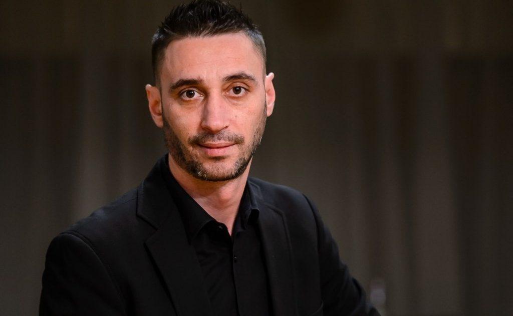 Doliu în muzica românească! Artistul de muzică armânească, Adrian Uzum, a încetat din viață