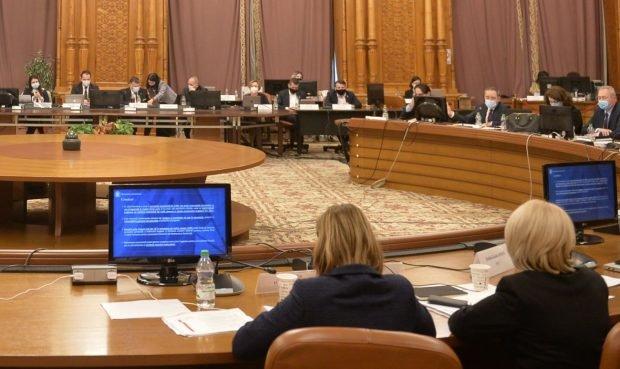 Bugetul pe 2021 a trecut de comisiile din Parlament. Marți are loc votul din plen