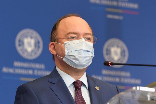 """Bogdan Aurescu, despre paşaportul de vaccinare: """"Până când nu va exista o poziţie la nivel european, omologată, aşteptăm"""""""