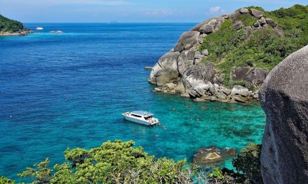 Turiștii care vizitează Thailanda vor sta două săptămâni în carantină pe iaht