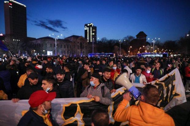 """Florin Cîțu, despre protestele împotriva restricțiilor: """"Pot protesta împotriva mea, dar să respectăm legea"""""""