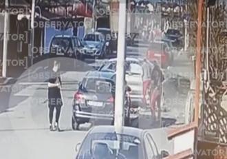 Filmul tragediei din cartierul Andronache. Șoferița care le-a ucis pe cele două fete ar fi consumat alcool înainte de a se urca la volan