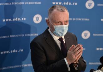"""Consiliul elevilor, despre decizia lui Cîmpeanu de a ține școlile deschise după pragul de 6 / 1000: """"Denotă iresponsabilitate"""""""