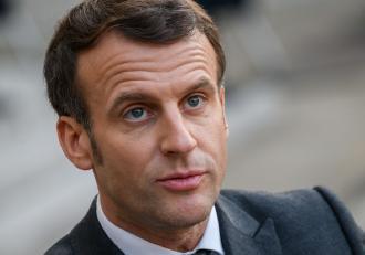 Franţa intră în carantină totală timp de o lună. Grădiniţele, școlile şi liceele vor fi închise pentru cel puţin trei săptămâni