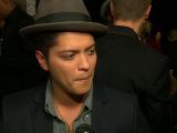 Bruno Mars cere să fie lăsat să cânte la Gala Premiilor Grammy alături de noua sa trupă