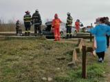 Un tânăr din Dâmbovița a fost la un pas de moarte după ce mașina pe care o conducea a fost lovită de tren