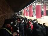 Sute de sindicaliști protestează cu muzică în subteran. Ministrul Transporturilor a depus plângere penală