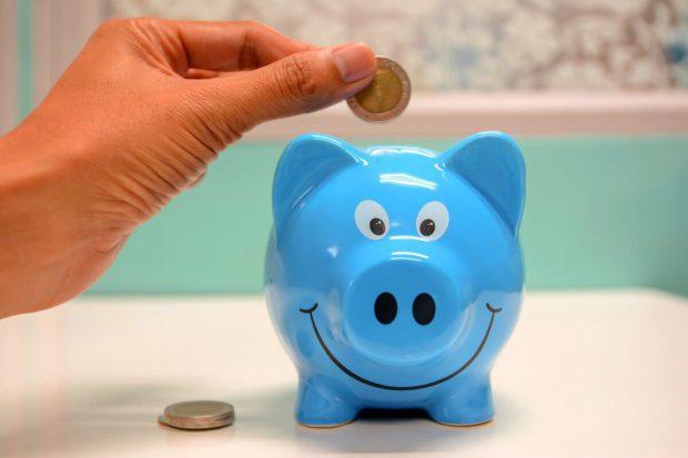 (Publicitate) Îți dorești să strângi bani? Iată TOP 3 lucruri de care să ții cont ca să îți crești economiile!