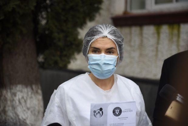 """Andreea Moldovan: """"Medici dermatologi au tratat pacienți COVID, acum vor avea un cadru care să îi absolve de repercusiuni de tip malpraxis"""""""