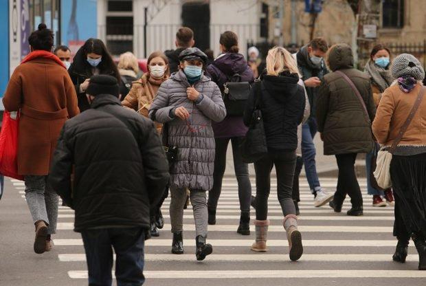 Rata de infectare în Ilfov a depăşit pragul de 8 la mie. 11 judeţe şi Bucureştiul se află în scenariul roşu