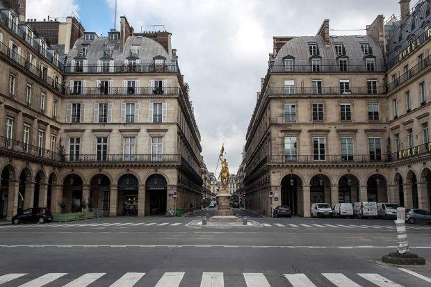 Parisul, dezolant în prima zi de lockdown. Mulți locuitori au părăsit capitala ca să scape de carantină