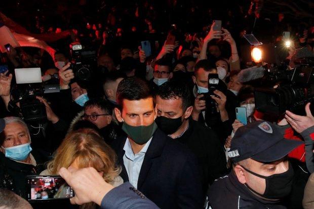 Novak Djokovici, baie de mulțime la Belgrad, în pandemie. Ce a sărbătorit jucătorul de tenis din Serbia