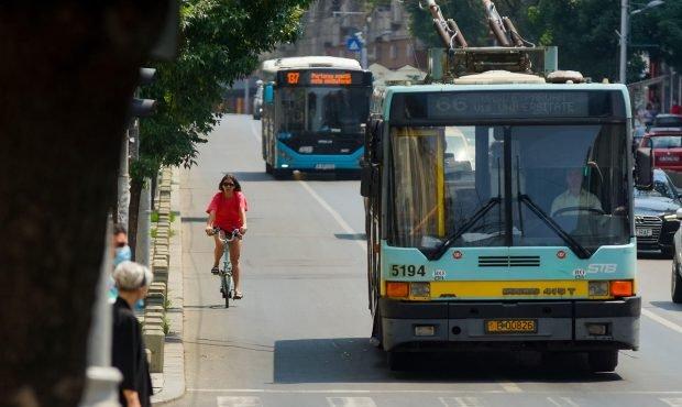 Toți șoferii STB care erau liberi, chemați de acasă. Toate autobuzele și troleele pe traseu în București, din cauza grevei spontane de la metrou