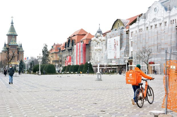 Timișoara iese din carantină. Autoritățile locale n-au votat prelungirea restricțiilor, în ciuda creșterii ratei de infectare