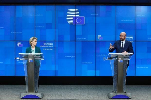 """Liderii UE, hotărâți să blocheze exporturile de vaccinuri. Ursula von der Leyen: """"AstraZeneca trebuie să livreze dozele promise înainte de a exporta"""""""