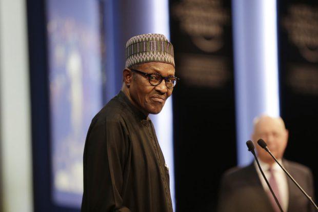 """Președintele Nigeriei declară război bandelor criminale: """"Cine e prins că deține ilegal un Kalașnikov va fi împușcat"""""""