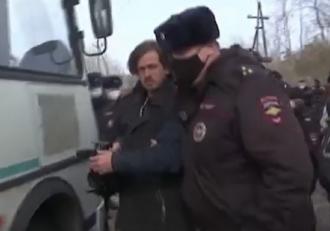 Prietenii lui Navalnîi, între care medicul personal şi doi reporteri CNN, arestaţi în faţa închisorii