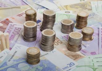 Guvernul a împrumutat miercuri 3,5 miliarde de euro, în cel mai mare împrumut de pe pieţele externe