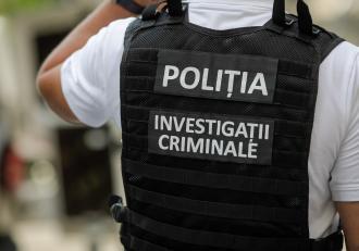 Bărbatul din Galați găsit mort în apartament a fost înjunghiat de 30 de ori. Suspectul, un om al străzii, a fost reținut de polițiști