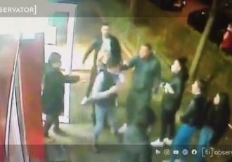 Angajatul unui magazin din Capitală, bătut de părinţii unor fete care au fost prinse în timp ce furau