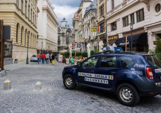 Programul magazinelor din București, în Vinerea Floriilor. Restricţiile în Capitală au fost prelungite pentru încă 14 zile