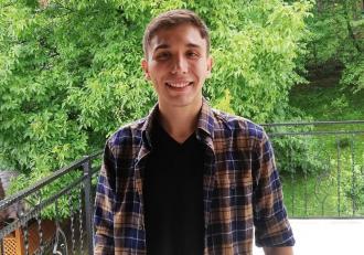 Iulian, un tânăr dispărut de trei zile în Iaşi, a fost găsit spânzurat în pădurea din Voineşti. Avea doar 22 de ani