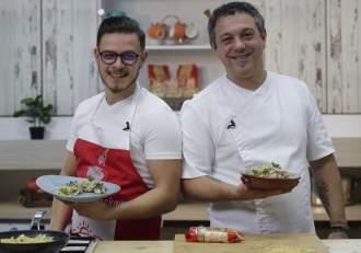 Sorin Bontea și Ionuț Belei au făcut echipă în bucătărie! Juratul și câștigătorul Chefi la cuțite au pregătit un meniu delicios / FOTO