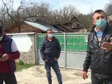 Localnicii unui sat din Gorj, terorizați de un consătean. Bătăi, înjurături și amenințări cu moartea