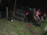 O șoferiță din Dâmbovița a ajuns de urgență la spital după ce s-a răsturnat cu mașina într-o depășire