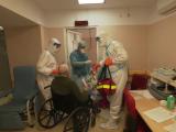 Situație critică în spitale. Adulți consultați în cabinete de copii, instalații de oxigen improvizate