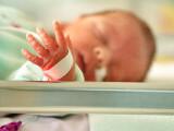 Naștere la Sanador. O mamă cu COVID a fost trimisă noaptea la un alt spital, fără copil
