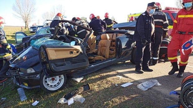 Accident grav la Bacău. Trei oameni au murit, alți doi sunt răniți grav