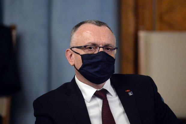 Ce spune ministrul Sorin Cîmpeanu despre posibila prelungire a anului școlar următor