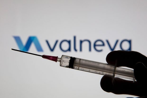 """Valneva anunță că vaccinul său anti-COVID intră în faza a treia de testare. Serul cu virus inactivat, """"sigur și bine tolerat"""""""