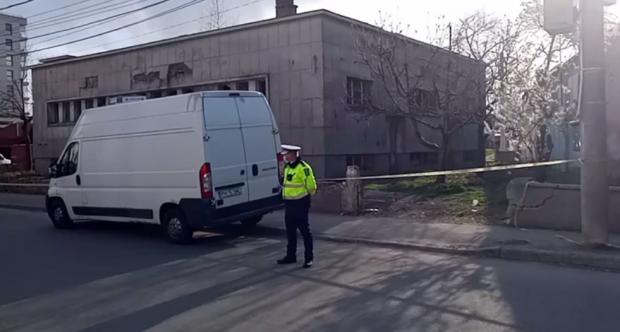 O adolescentă de 17 ani, găsită moartă într-o clădire abandonată din Ploieşti