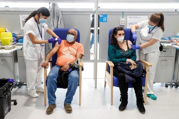 Spaniolii refuză să se mai vaccineze cu AstraZeneca, din cauza informațiilor despre posibilele riscuri