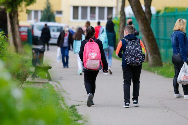 Ministrul educației: Școlile vor funcționa cu prezență fizică în săptămâna 17-21 mai, dacă vineri rata de incidență este sub 1 la mie