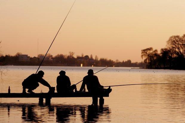 Un băiat de 13 ani s-a electrocutat la pescuit. A suferit arsuri pe 40% din suprafaţa corpului