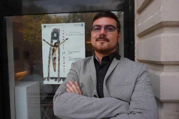 Profesorul ieșean condamnat pentru pornografie infantilă a solicitat să fie suspendat din funcție după apariția cazului său în Libertatea