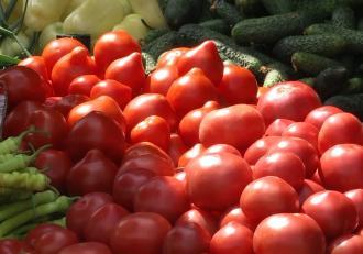Cum putem deosebi fructele şi legumele tratate chimic. Clienţii ignoră sfaturile experţilor