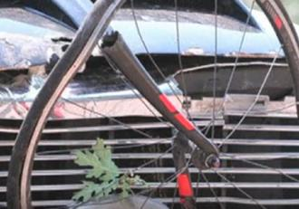 Un bărbat a intrat cu camioneta într-un grup de biciclişti, în Statele Unite ale Americii. Mai mult persoane au ajuns la spital, cu răni grave