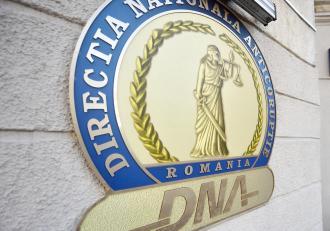 Director din cadrul Ministerul Transporturilor, reținut de DNA. Cine este Daniel Manole, acuzat că ar fi primit 2 milioane de lei mită