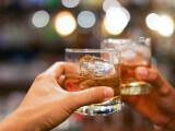 Peste 35% dintre români cred că este normal ca cei mici să consume alcool. Avertismentul Agenției Antidrog