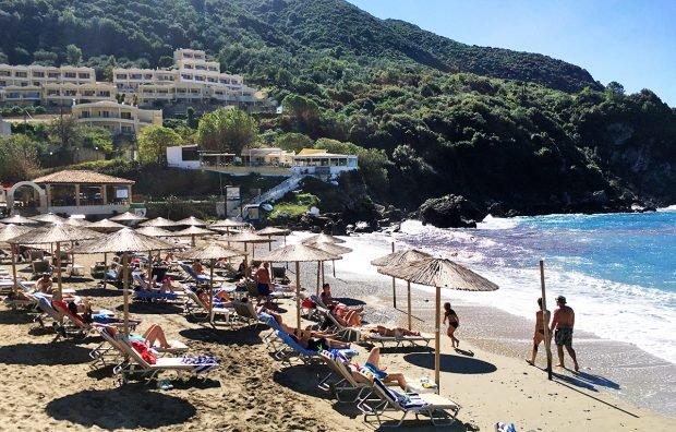 Un touroperator care vinde vacanțe în Grecia își suspendă activitatea. Ce se întâmplă cu sejururile românilor