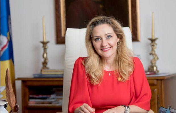 """Dezvăluirile Elenei Lasconi la un an de când a devenit primar la Câmpulung Muscel: """"Familia mea suferă"""""""