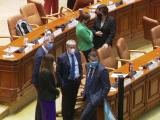 Dacian Cioloș a picat testul în Parlament. Liderii PNL și UDMR reiau negocierile cu USR pentru refacerea coaliției